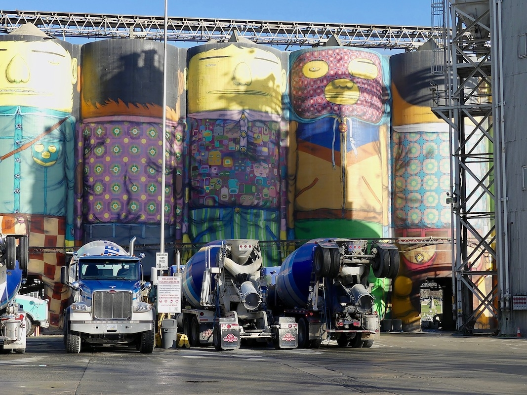 Angela Burnett - 5.Silos and trucks 0878 copy